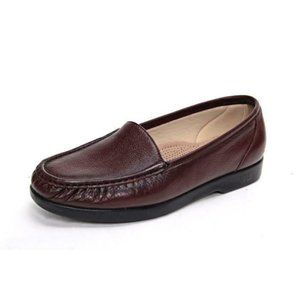 NWOB sas simplify loafers moccasins leat